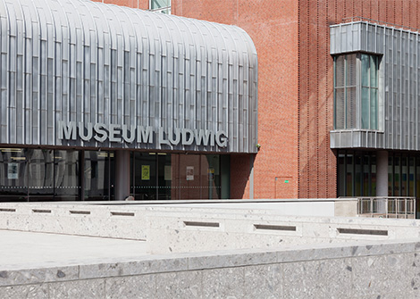 Photo Entrance of the Museum Ludwig